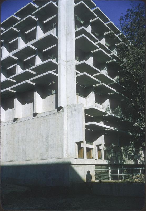 19-048-136.jpg
